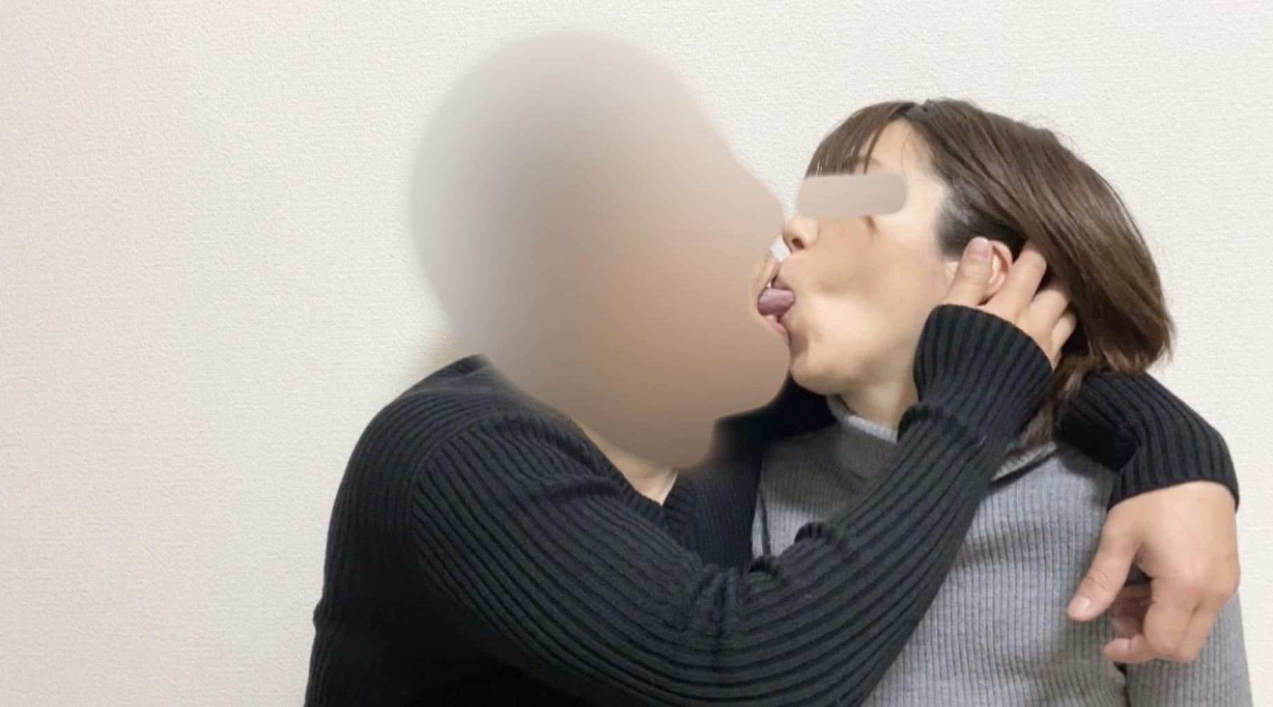 【個人撮影】30歳の妻と私  -友人と妻からの送りモノ-  第二夜【前編】