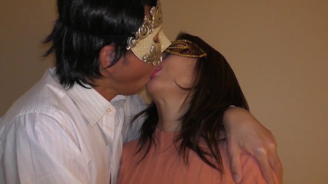 FC2 PPV 1739468 【個人撮影・セット販売】43歳になったばかりで裸を晒す巨乳熟女妻 ローション責め・中出しとやられ放題の熟した裸体